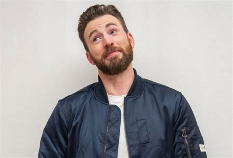 Chris Evans Breaks His Silence On That Private Pic He ...