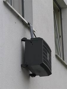 Klimaanlage Schlauch Fenster : klimaanlage h ngt aus dem fenster ~ Watch28wear.com Haus und Dekorationen