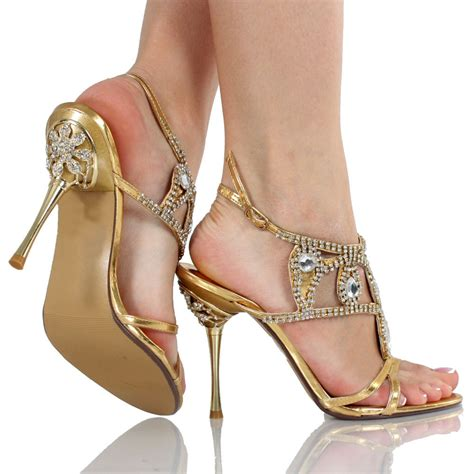 wedding dress shoes tips for buying wedding shoes