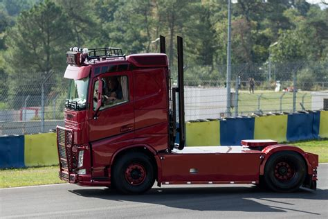 red volvo truck volvo truck tuning ideas design styling painting hd