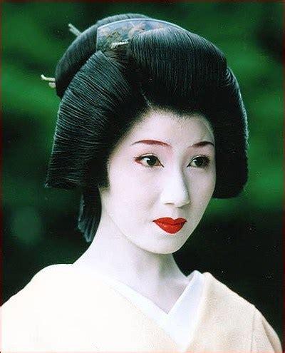 differences   geisha  maiko