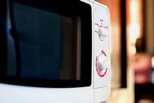 Mikrowelle In Schrank Stellen : so finden sie den idealen standort f r ihre mikrowelle ~ Watch28wear.com Haus und Dekorationen