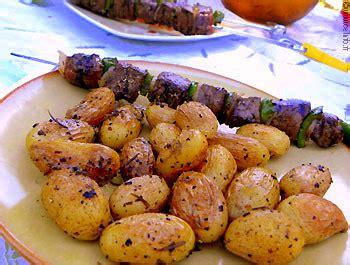 cuisiner pomme de terre grenaille pommes de terre grenaille sautées à la poêle recettes