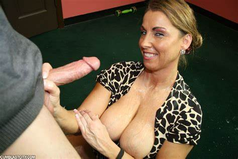 Jizz Swapping Mommy Trinity Scarlet