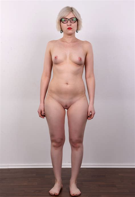 Pavlina In Gallery Standing Nude Girls Picture Uploaded By