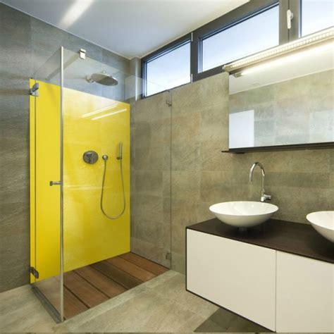 plaque pour recouvrir carrelage mural cuisine salle de bains jaunes 32 idées pour une décoration lumineuse