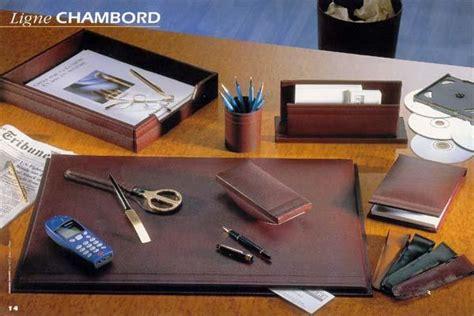sous bureau personnalisé sous mains en cuir personnalisable