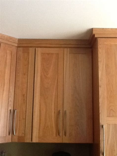 CROWN MOLDING: pairs well with shaker style cabinetry