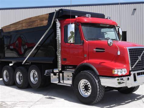 2018 Volvo Vhd84b200 Dump Truck For Sale #286581