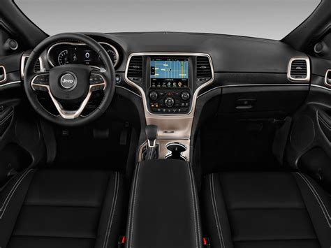 Image 2017 Jeep Grand Cherokee Limited 4x2 Dashboard