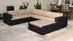 Cool large sectional sofas decorating ideas for Sectional sofa centerpiece