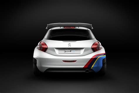 2013 Peugeot 208 T16 (type R5) Rally Car Review