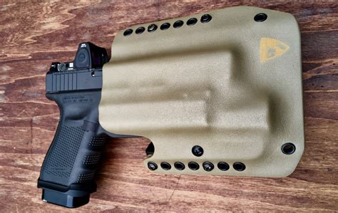 tfb review dsg arms kydex holsters  firearm blog
