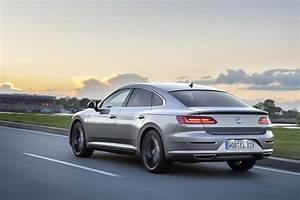 Volkswagen Arteon Elegance : 2018 volkswagen artheon launched with big photo gallery adds 2 0 tdi 150 hp autoevolution ~ Accommodationitalianriviera.info Avis de Voitures