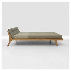Lit Design Bois : mellow lit contemporain bois massif zeitraum ~ Teatrodelosmanantiales.com Idées de Décoration