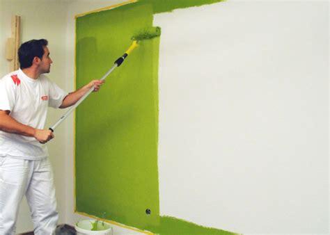 Eine Wand Farbig Streichen by W 228 Nde Farbig Streichen Tipps Tricks Service