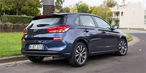 2017 Hyundai i30 Elite review - photos | CarAdvice  2017