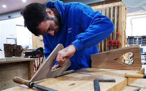 difference  cabinet maker   carpenter