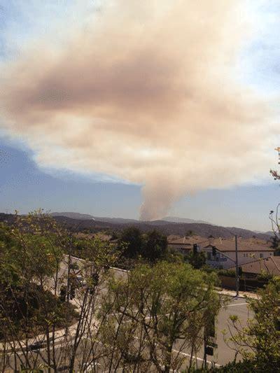 acre fast moving fire erupts  silverado canyon