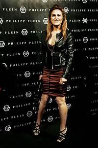 Lory Del Santo Photos Photos - Lory Del Santo at Milan ...