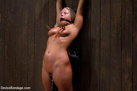 Blondes Knows An Inspection For Her Intestine The Best Charming Kait Snow Is Classic To Bless This Update