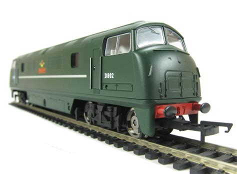 Hattonscouk  Hornby R3068 Class 42 'warship' D802 In Br