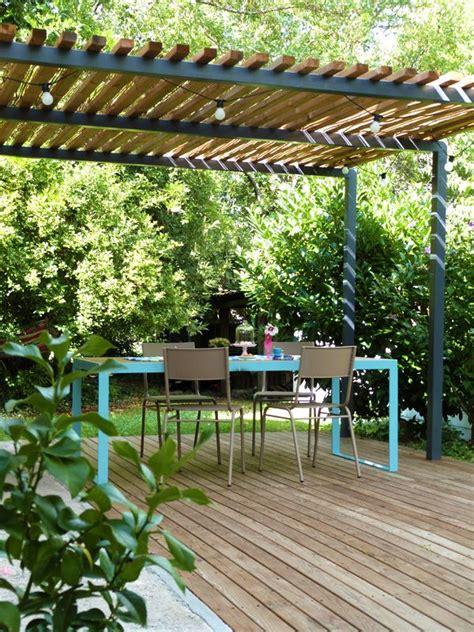 pergola metall terrasse pergola m 233 tal terrasse bois et table de jardin design