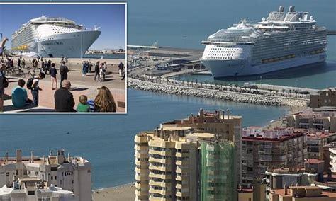 worlds biggest cruise ship symphony