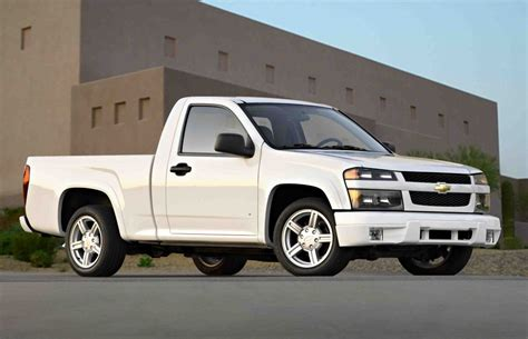vehicle repair manual 2007 gmc canyon seat position control gm recalls chevy colorado gmc canyon for child seat tether issues 187 autoguide com news