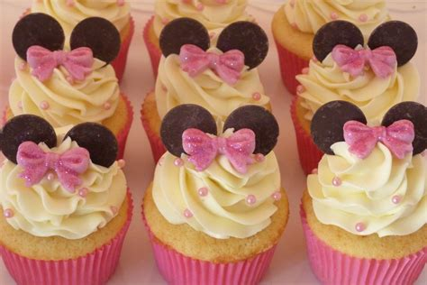 Minnie Mouse Cupcake For Childs Birthday Vanilla Cake With