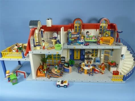 maison moderne playmobil 3965 137 best images about playmobil on playmobil toys and plays