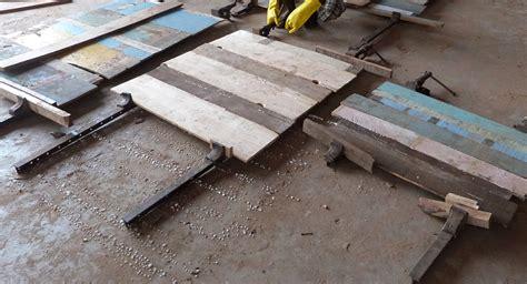 vintage m 246 bel aus massivem recyceltem altholz warten auf weitere verarbeitung massivmoebel24