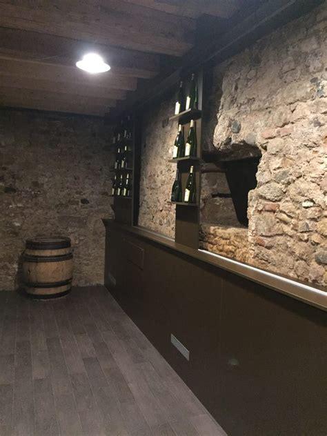 creation cave a vin cr 233 ation d une cave 224 vin sur mesure avec espace