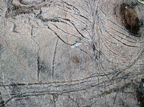 chrysotile asbestos veins  serpentinized komatiite uppe