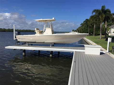 Boat Lift Pics by The Hydraulic No Profile Platform Boat Lift No Profile