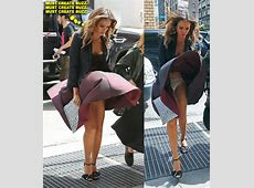 NYC Subway System Gets The Best Of Jessica Alba's Dress