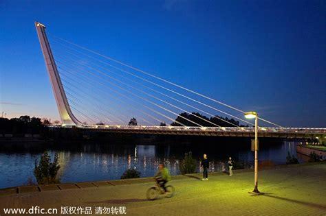 Top 10 Most Beautiful Bridges Around The World 4