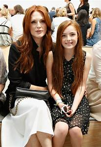 Julianne Moore, Daughter Join The Front Row Celebs At ...
