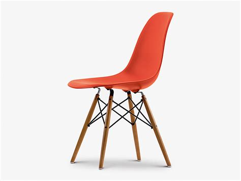 eames chaises buy the vitra dsw eames plastic side chair golden maple