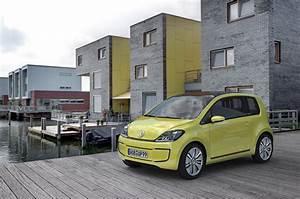 Mandataire Auto La Rochelle : e up une version lectrique de la petite auto volkswagen ~ Dailycaller-alerts.com Idées de Décoration