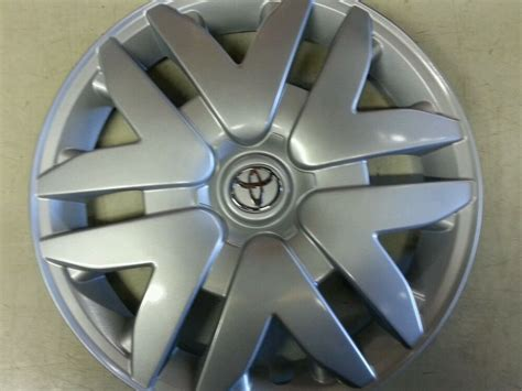 61124 Toyota Sienna 16 Inch Hubcap Wheel Cover 2004 205 06