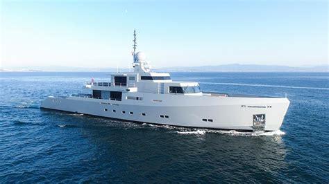 motor yacht cyclone tansu yacht harbour