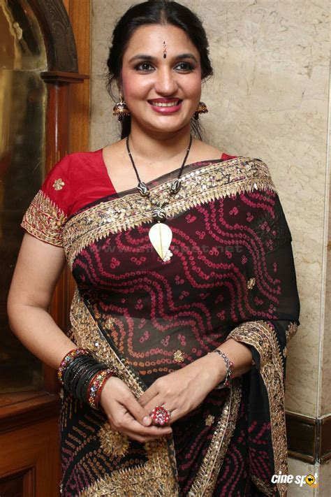 vijaya aunty house address actress wallpapers