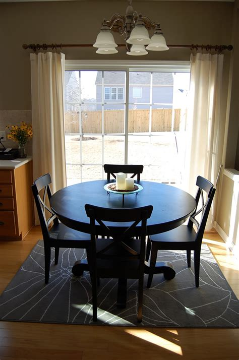 rug dining table how to place a rug with a dining table