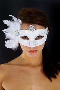 Wit venetiaans masker