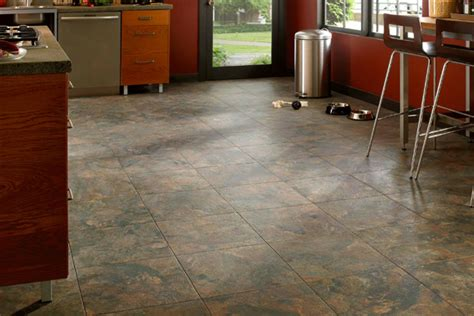 cheap kitchen vinyl flooring choosing the best floor for your kitchen 5334