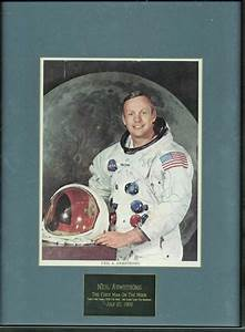 """Lot Detail - Apollo 11: Neil Armstrong Signed 8"""" x 10 ..."""