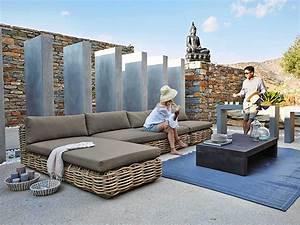 zoom sur le salon de jardin le blog deco de maisons du With tapis champ de fleurs avec canape jardin rotin