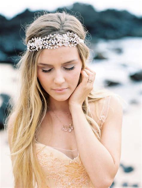 beach wedding hair tips beach wedding tips