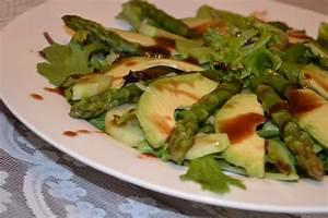 Spargel Avocado Salat : fr hlingssalat mit gr nem spargel und avocado rezept mit ~ Lizthompson.info Haus und Dekorationen